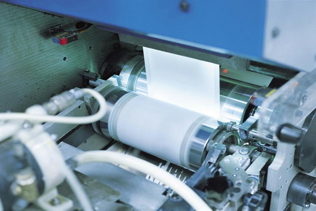 Fabricación de etiquetas adhesivas para envases